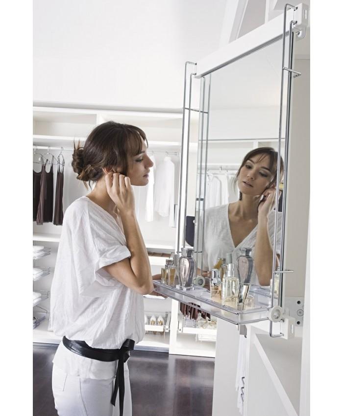 Uittrekbare (opmaak) spiegel met opbergbakjes